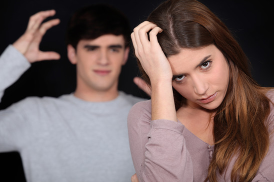 Nicht selten geben Frauen bei andauernden Beziehungsproblemen irgendwann frustriert auf.