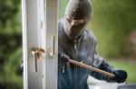 Wichtiger Punkt beim Einbruchschutz: Gekippte Fenster (Einbruchschutz – Wie lässt man Haus & Wohnung bewohnt aussehen?)