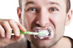 Mundhygiene (Mundgeruch – Was hilft gegen schlechten Atem?)