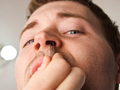 Nasenhaare entfernen – Welche Methoden gibt es?