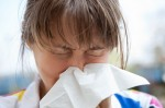 Sommergrippe Symptome –  Die Sommergrippe beginnt häufig mit einer laufenden Nase (Sommergrippe – Was hilft gegen die Erkältung im Sommer?)